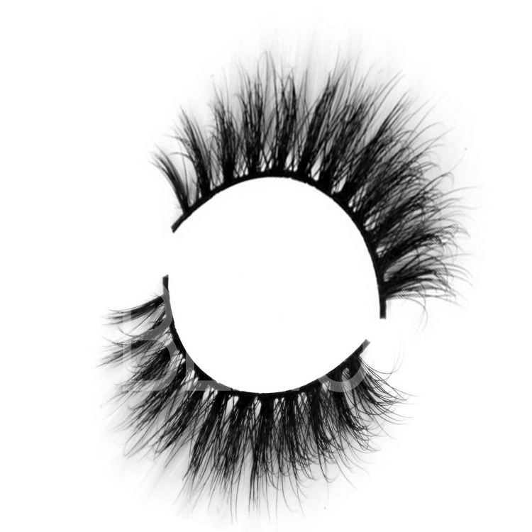 eyelash enhancer.jpg