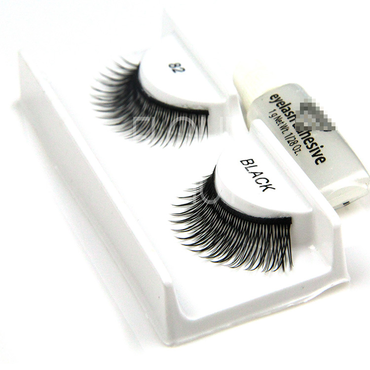 falsh eyelashes.jpg