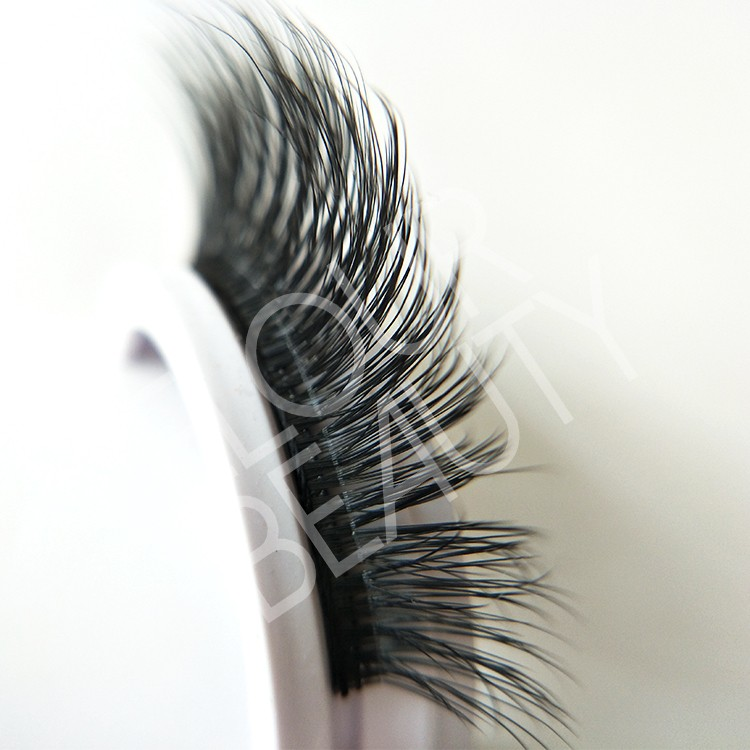 reusable pre-glued lashes China wholesale.jpg