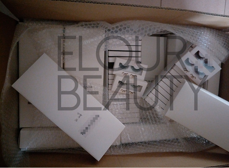 customized lashes and package boxes China wholesale.jpg