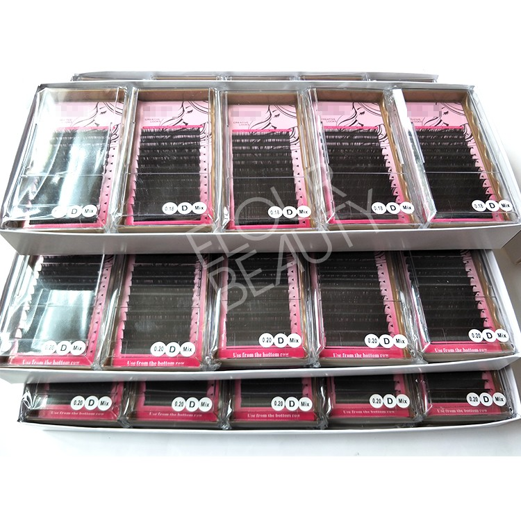 eyelash-extensions-private-label-wholesale.jpg