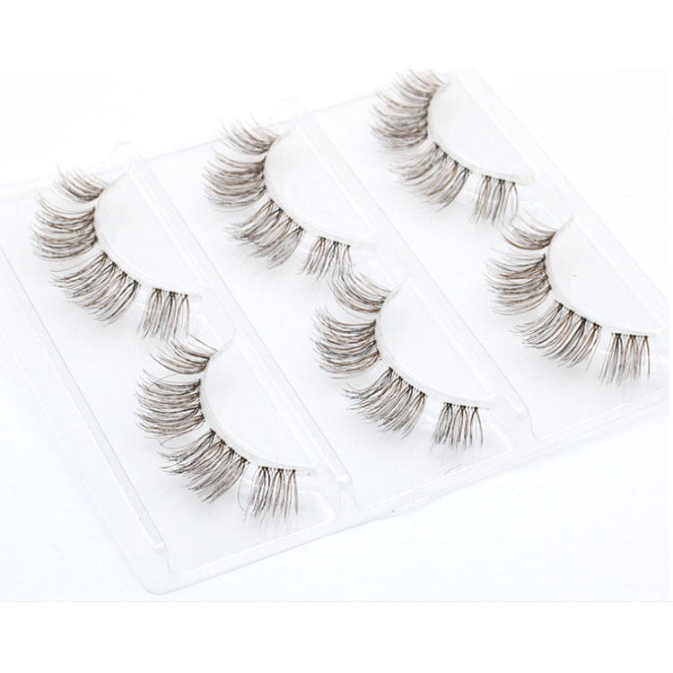 DIY-cluster-lashes-private-label.jpg